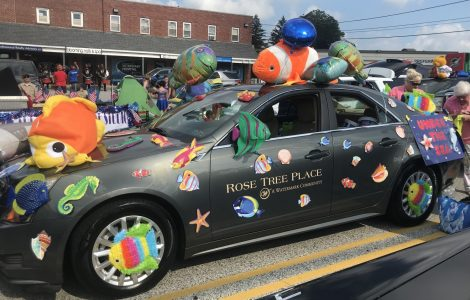 Rose Tree Place Celebrates Winning 3rd Place In Local Parade!